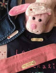 Etiquetas personalizadas para roupa contendo o nome